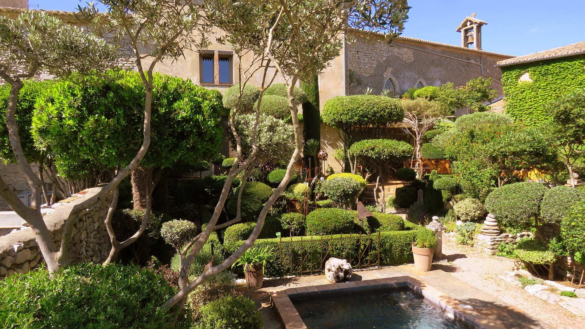 Les buis de Lussan | Chambres d'hôtes jardin